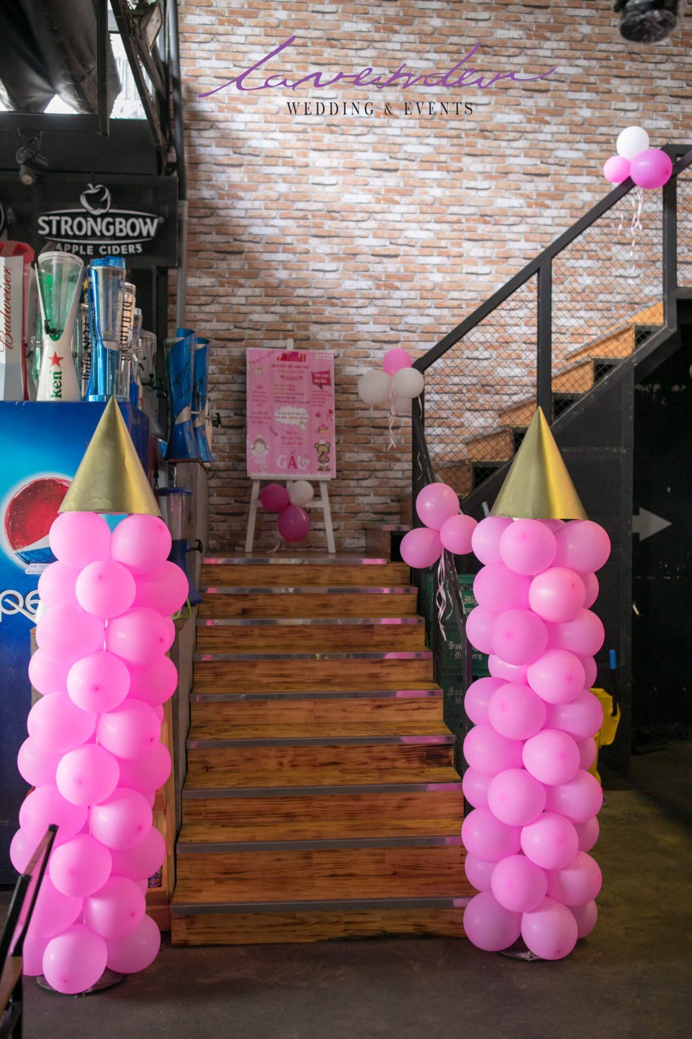trang trí tiệc sinh nhật cho bé gái màu hồng
