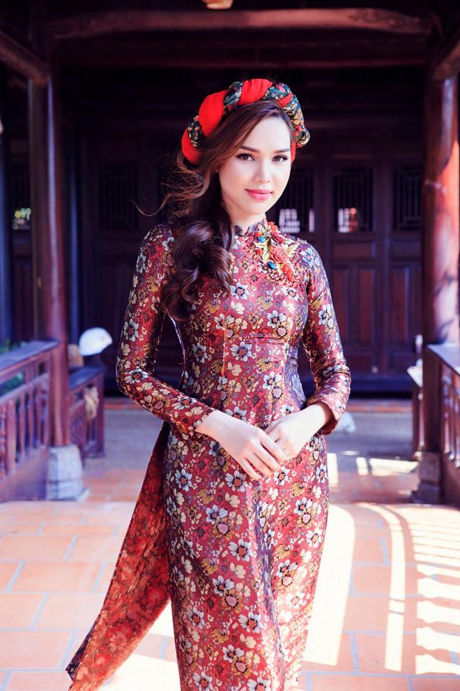 áo dài gấm cho ngày cưới