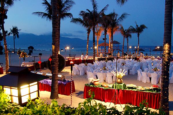 Top 3 khách sạn tổ chức tiệc cưới gần biển đẹp nhất Đà Nẵng