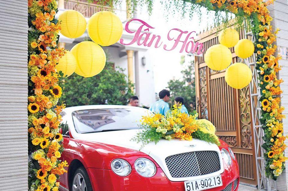 Mẫu cổng hoa đẹp ngày cưới