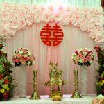 Cách chọn hoa để trang trí bàn thờ gia tiên ngày cưới đẹp