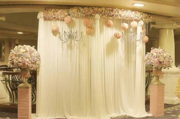 Các kiểu backdrop để trang trí tiệc cưới đẹp, ấn tượng.