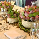 Trang trí tiệc cưới truyền thống cùng hoa sen tinh tế