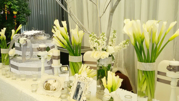 hoa rum trang trí tiệc cưới