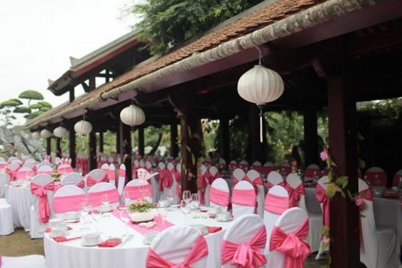 tiệc cưới ngoài trời tại nhà hàng