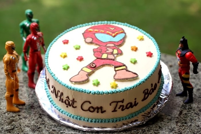 Lưu ý khi chọn bánh sinh nhật độc đáo cho bé.