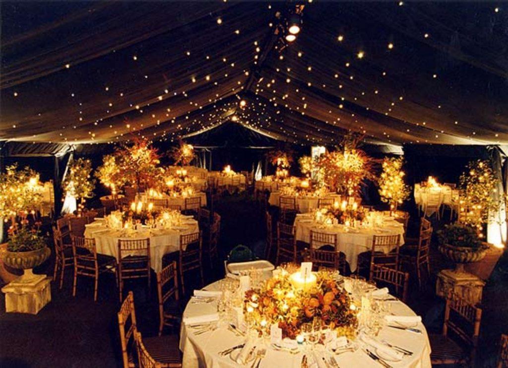 trang trí tiệc cưới ánh đèn