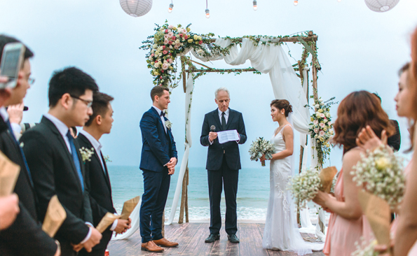 Những điều cần lưu ý khi tổ chức tiệc cưới ngoài trời.