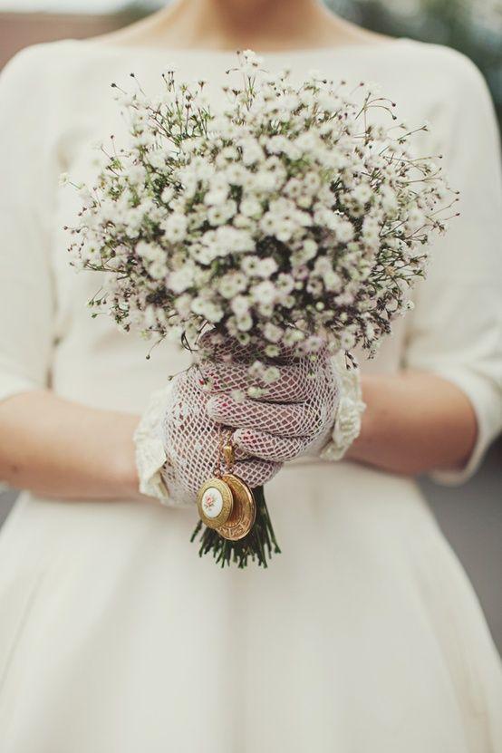 hoa baby trắng cầm tay