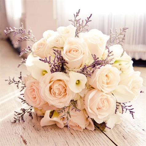Các mẫu hoa cầm tay cô dâu đẹp và sang trọng