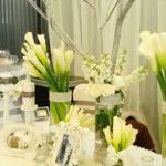 Trang trí tiệc cưới bằng hoa tươi