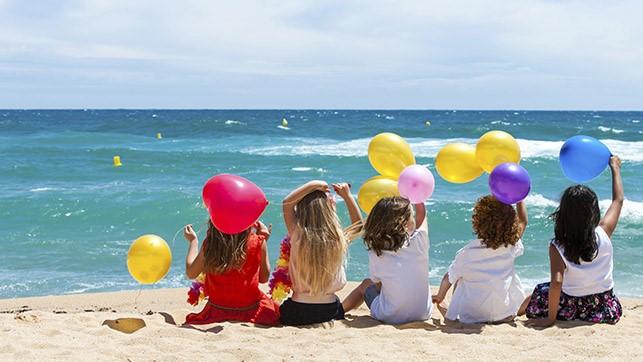 Những ý tưởng trang trí tiệc sinh nhật mùa hè độc đáo cho bé