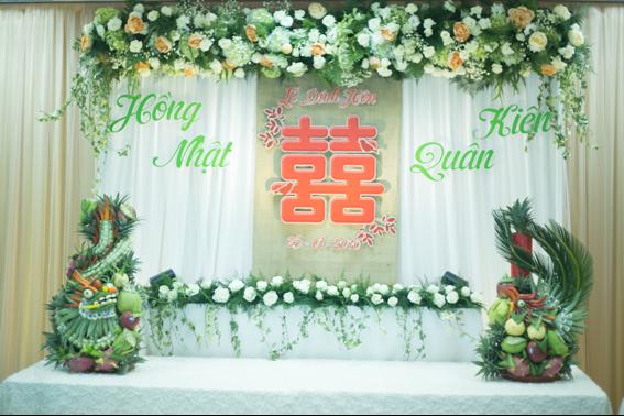 Trang trí bàn thờ gia tiên tinh tế ngày cưới