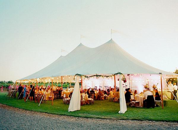 lưu ý khi tổ chức tiệc cưới ngoài trời vào mùa hè lavender