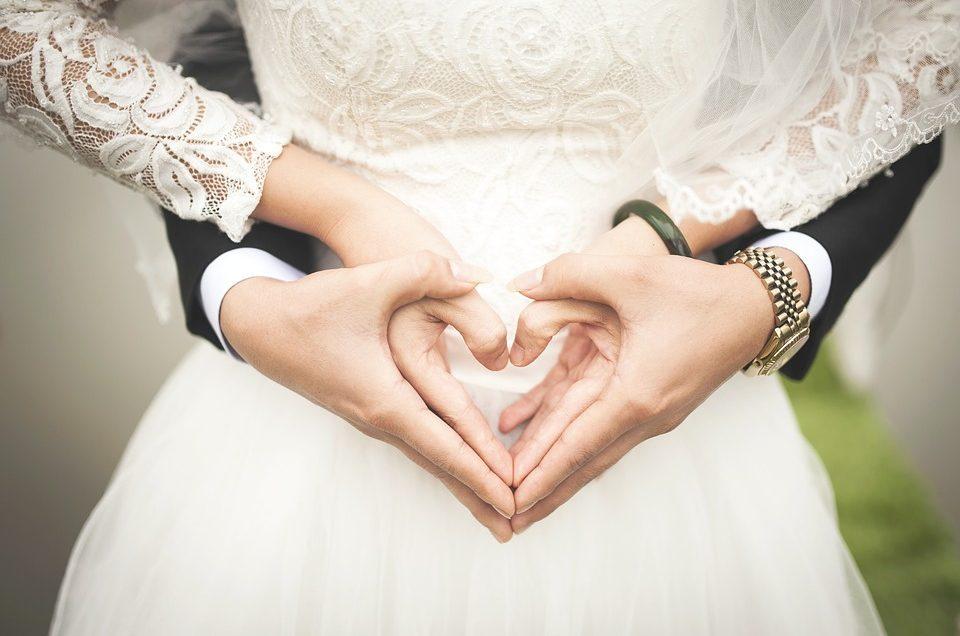 Lập kế hoạch tổ chức đám cưới ít tốn kém