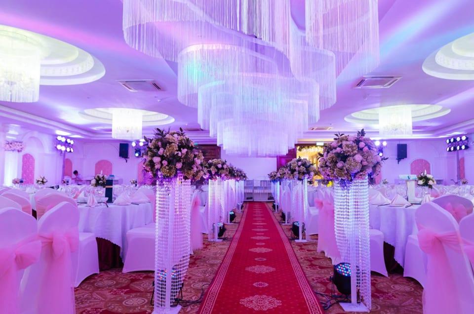 Kinh nghiệm tổ chức đám cưới tại nhà hàng cực hữu ích cho các cặp đôi