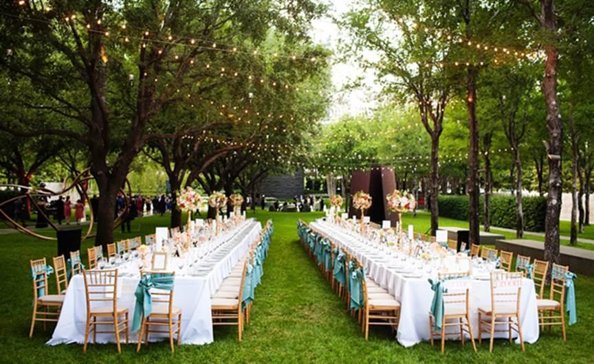Kinh nghiệm tổ chức tiệc cưới ngoài trời không thể không biết